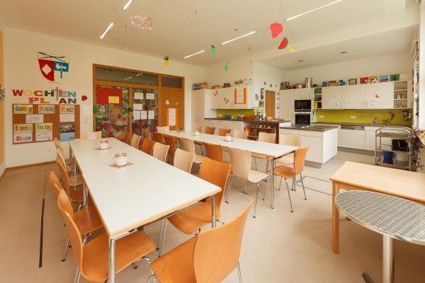 kindergarten-thansau-138E359F75-D7D7-4F5B-442E-3337FFFEA1A8.jpg